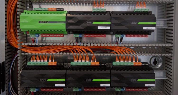 CAT7-cabling-in-loxone-cabinet